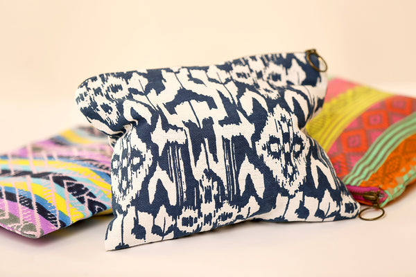 Canvas clutch bag with print
