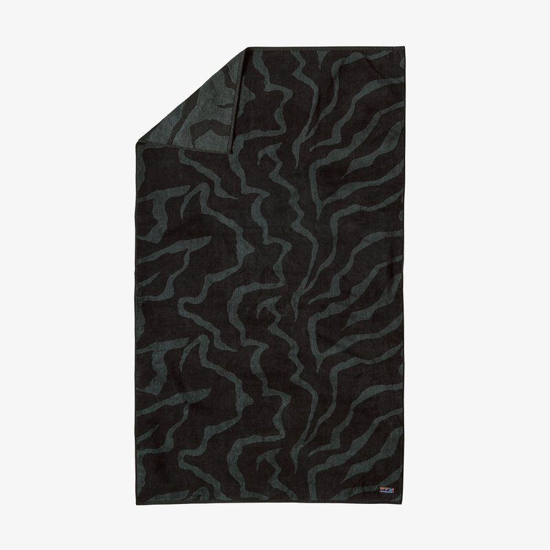 Patagonia Organic Cotton Towel Tiger Tracks Camo Ink Black
