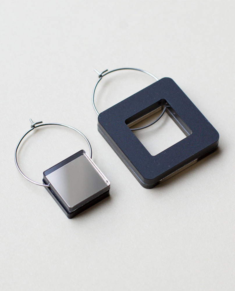 Void Square Earrings - Bronze & Black