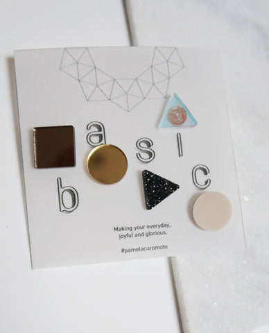Basic Stud Earrings - Gold