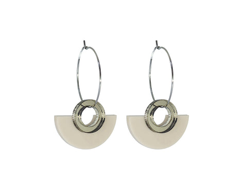 PAMELA COROMOTO Blok Earrings Beige. Minimal, casual and playful! - Grom & Kakao