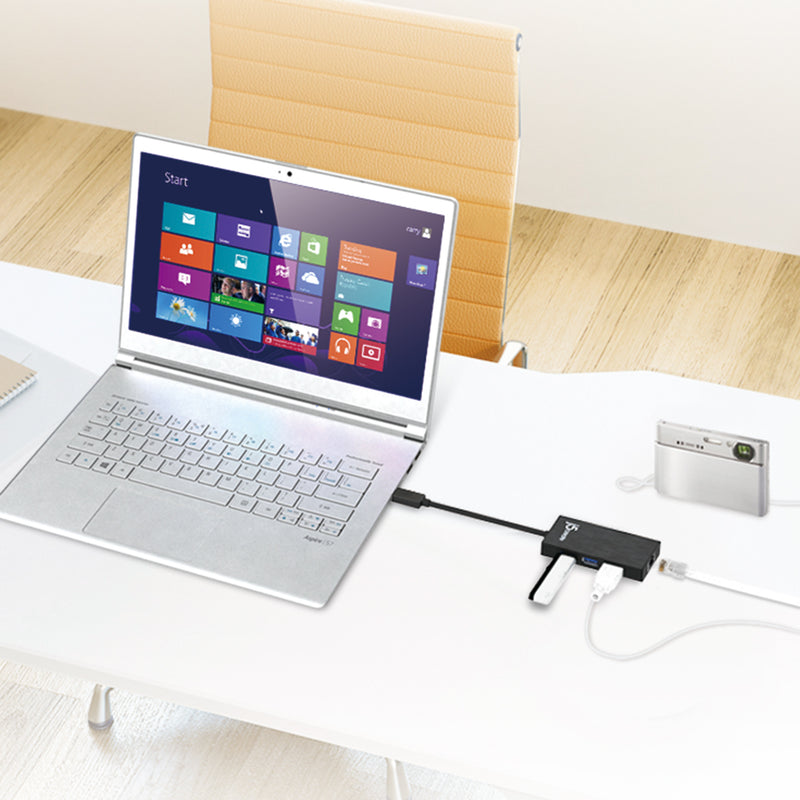 JUH470 USB™ 3.0 Gigabit Ethernet & 3-Port Hub