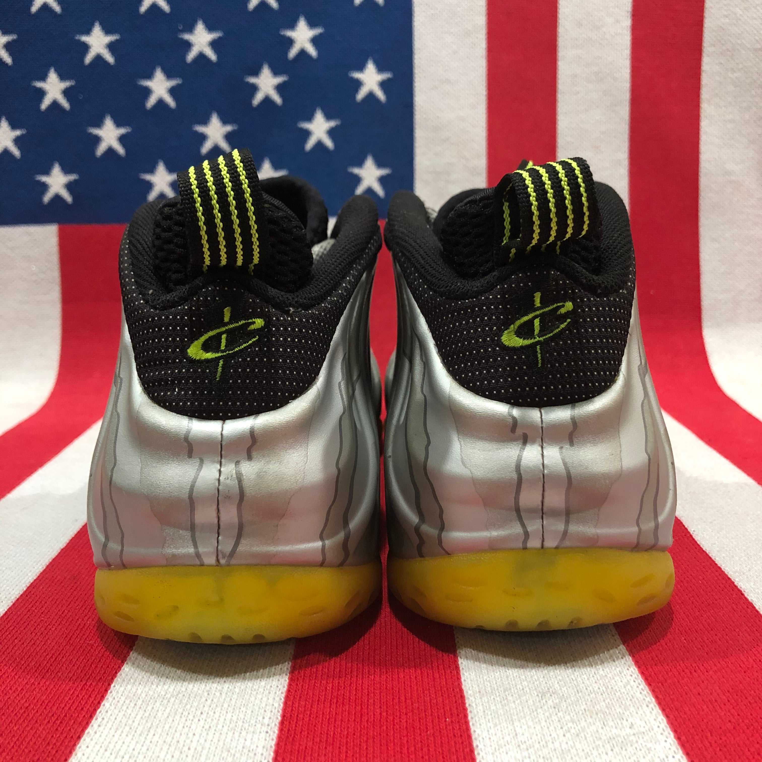 "Nike Air Foamposite One ""Volt/Silver"" (size 8)"