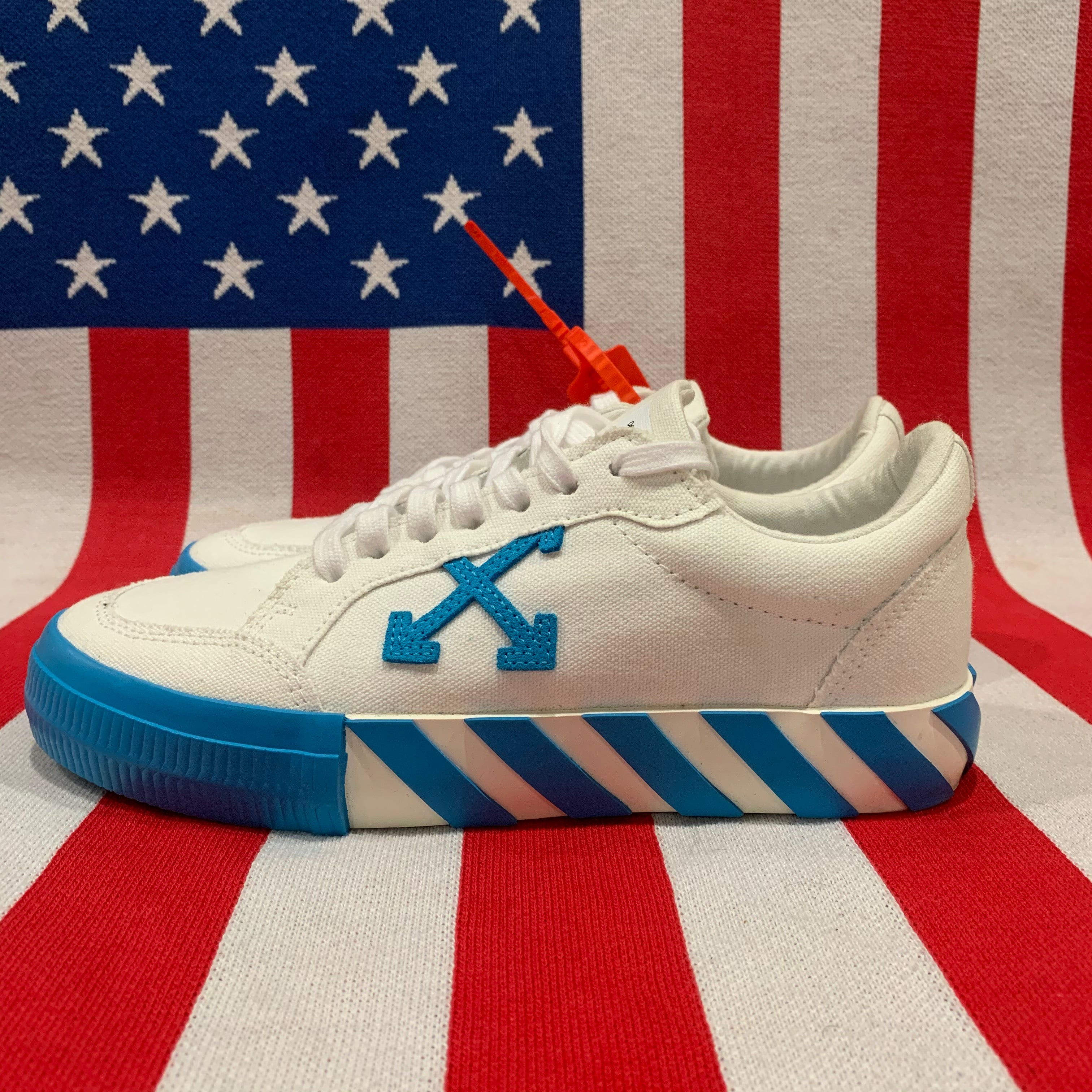 "Off-White Vulcanized Low ""White/Blue"" (size 6)"
