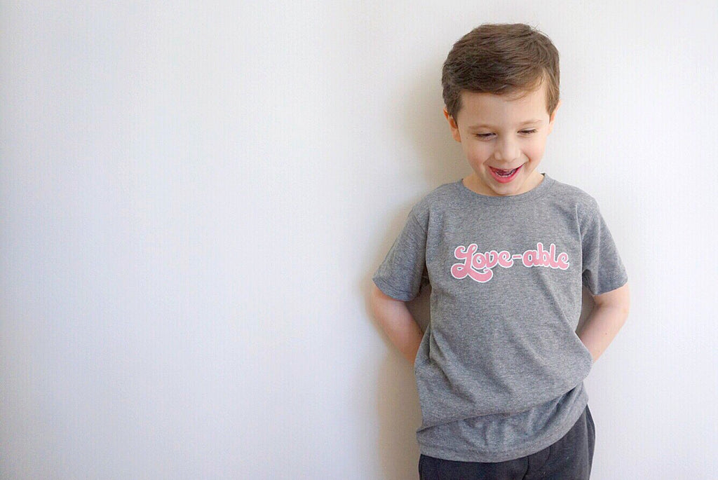 LOVE-ABLE KIDS GRAPHIC T-SHIRT BY EVERYKIND