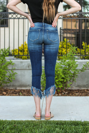 "KanCan Jeans  Collection: Core Style Color: Dark Wash Cut: Ankle Skinny, 27"" Inseam  Rise: High Rise, 9.5"" Front Rise 76% COTTON 13% RAYON 10% POLYESTER 1% SPANDEX Stitching: Classic Fly: Zipper Style #: KC9114D Contact us for any additional measurements or sizing   Mckenna is 5'10"" and 122 pounds. She wears a size small top, a 3 in jeans and a size 8.5 in shoes. She is wearing a 25/3 in these jeans."