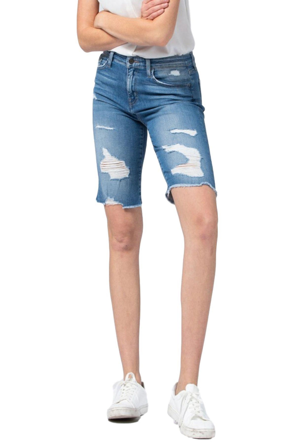 "Flying Monkey Jeans  Collection: January 2020 Style Name: Pixel Color: Distressed Medium Wash Rise: High Rise, 10"" Front Rise Cut: Bermudas, 13"" Inseam Material: 93% COTTON, 5% POLYESTER(T400), 2% LYCRA®SPANDEX Fly: Zipper  Style #: Y2880   Contact us for any additional measurements or sizing.   Sizes Compared To Women's Size 24/00 25/0 26/2 27/4 28/6 29/8 30/10  Sizes Compared To Juniors Size 24/0 25/1 26/3 27/5 28/7 29/9 30/11"
