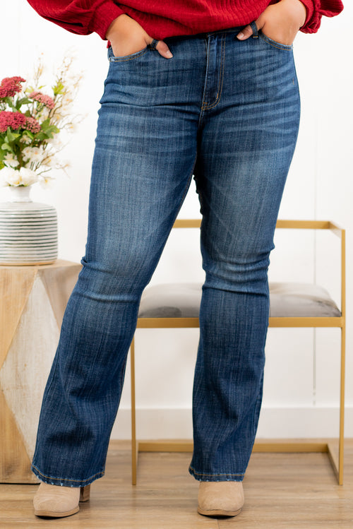 "KanCan Jeans Collection: Core Style  Color: Dark Wash Cut: Flare, 33.75"" Inseam  Rise: Mid-Rise, 9"" Front Rise 54% 54% COTTON 34% Rayon 10% POLYESTER 2% SPANDEX Fly: Zipper Style #: KC6102LOH-PL Contact us for any additional measurements or sizing.  Amelia wears a size 14w in jeans, XL in tops and an 11 in shoes. She is wearing an XL in these jeans."