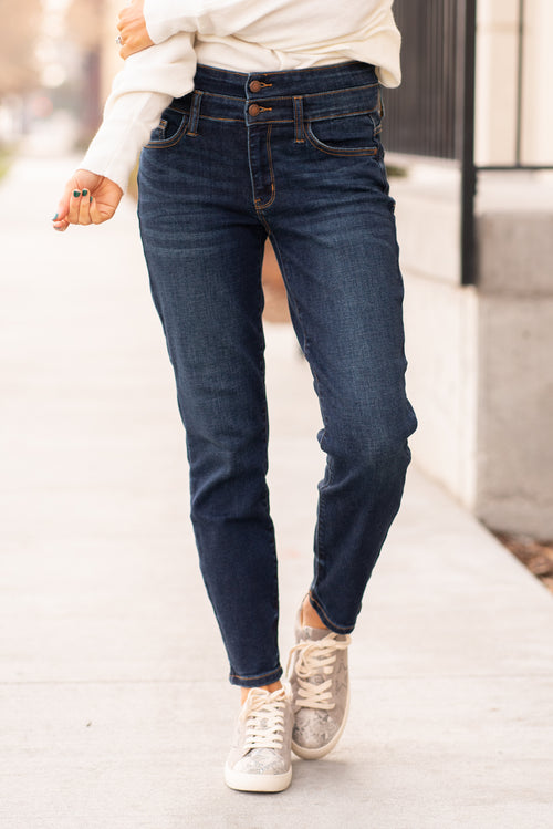 These high waisted relaxed fit double button Judy Blue jeans feature a whiskered wash in dark blue. Made of super soft denim with stretch. Judy Blues denim is designed in Los Angeles USA. Visit us at www.americanbluesdenim.com for more styles and size chart.