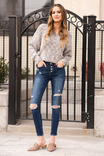 "VERVET by Flying Monkey Jeans Collection: Fall 2020 Skinny, 29"" Inseam Rise: Mid Rise, 9.25"" Front Rise 93% COTTON, 5% POLYESTER, 2% SPANDEX Machine Wash Separately In Cold Water Stitching: Classic Fly: Exposed Button Fly  Style #: VT971D Contact us for any additional measurements or sizing.  Mckenna is 5'10"" and 122 pounds. She wears a size small top, a 4 in jeans and a size 8.5 in shoes. She is wearing a size 26 in these jeans."