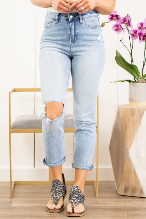 "Vervet Flying Monkey Jeans  These rolled cuffed ultra high rise straight jeans are so cute for spring. Pair with sandals and a tank for a casual day-out look.  Collection: Spring 2021 Style Name: Carefree Color: Light Blue Wash  Cut: Ankle Skinny, 26"" Rise: Suoer High-Rise, 11"" Front Rise Material: 90.5%COTTON, 7.5%POLYESTER, 2%SPANDEX Machine Wash Separately In Cold Water Stitching: Classic Fly: Zip Fly Style #: V2218 Contact us for any additional measurements or sizing."