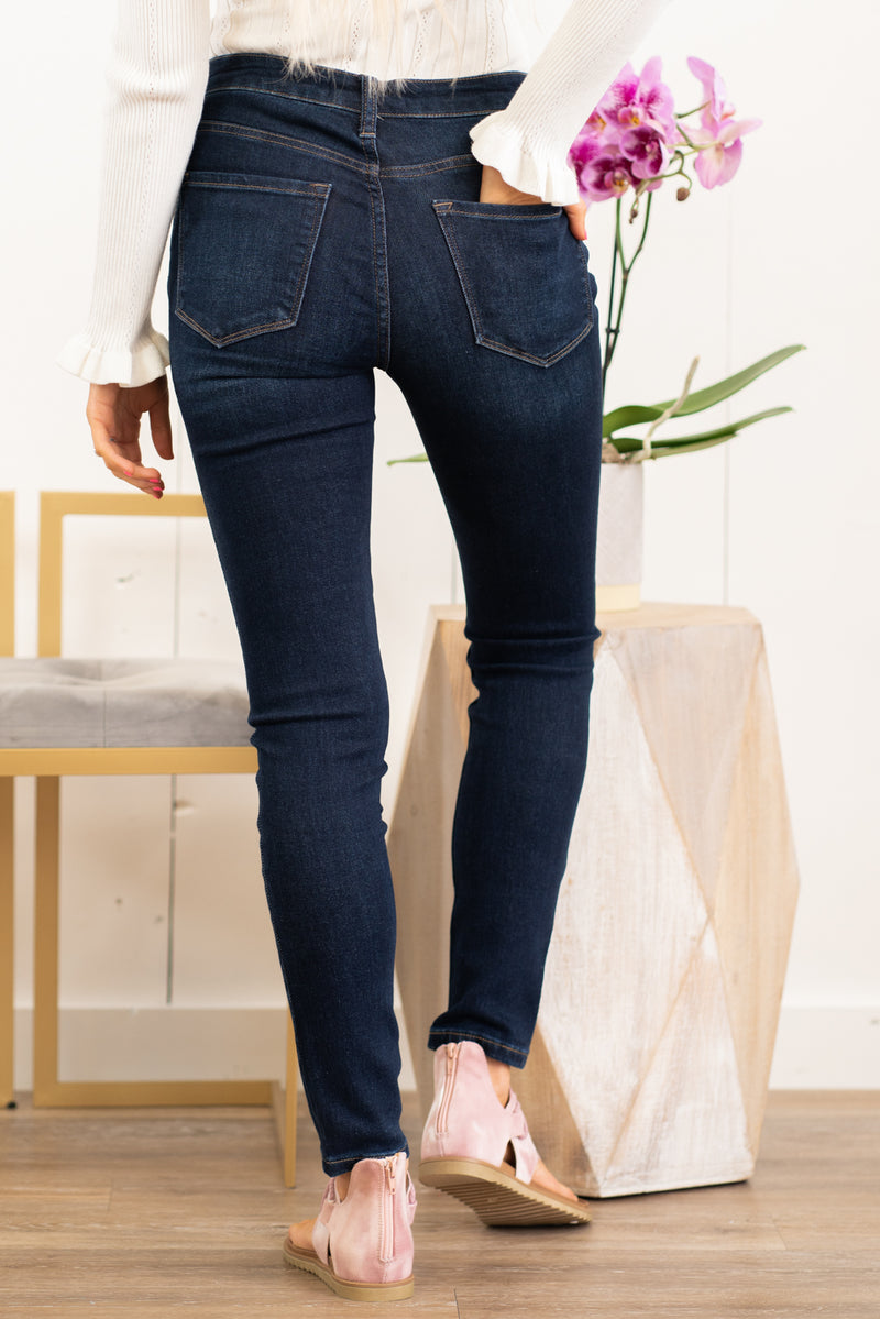 "VERVET by Flying Monkey Jeans Collection: Fall 2020 Name: Blue Chase Skinny, 29"" Inseam Rise: High Rise, 10"" Front Rise 80% COTTON, 18% POLYESTER, 2% SPANDEX Stitching: Classic Fly: Zipper Style #: VT1008 Contact us for any additional measurements or sizing.  Haley wears a size small top, a 1 in jeans, and a small in tops. She is wearing a size 25/1 in these jeans."