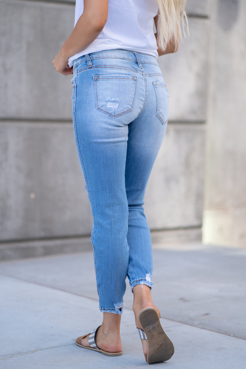 "Kan Can Jeans  Collection: Core Collection Color: Light Wash Cut: Ankle Skinny, 27"" Inseam Rise: Low-Rise, 7.5"" Front Rise Material: 72% COTTON 15% RAYON 12% POLYESTER 1% SPANDEX Machine Wash Separately In Cold Water Stitching: Classic Fly: Zipper Fly Style #: KC8086L"