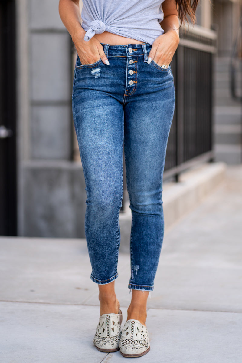Vervet Jeans Collection: Summer 2020 Name: Loud and Clear Color: Dark Wash Cut: Ankle Skinny Cut, 27