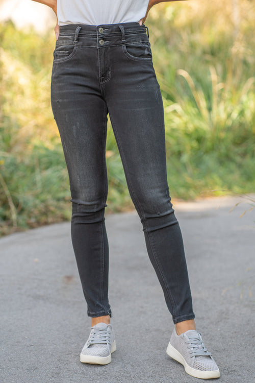 "VERVET by Flying Monkey Jeans Collection: Fall 2020 Name: Chasing Time Skinny, 30"" Inseam Rise: High Rise, 10"" Front Rise 78%COTTON, 17%POLYESTER, 3%RAYON, 2%SPANDEX Stitching: Classic Fly: Zipper Style #: VT1181 Contact us for any additional measurements or sizing.  Chloe is 5'8"" and 130 pounds. She wears a size 26 in jeans, a small top and 8.5 in shoes. She is wearing a 26 in these jeans."
