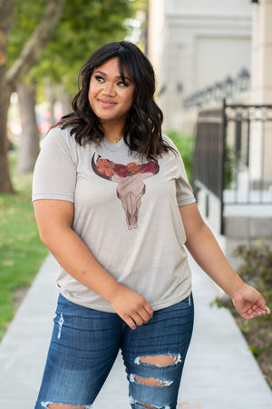 Floral & Fall. This cute marbled stone color tee is great to wear with jeans and booties.  Collection: Fall 2020 Color: Stone Marble Neckline: Round Sleeve: Short 91% POLYESTER 9% Cotton Contact us for any additional measurements or sizing.  Amelia wears a 14W and 1XL top.
