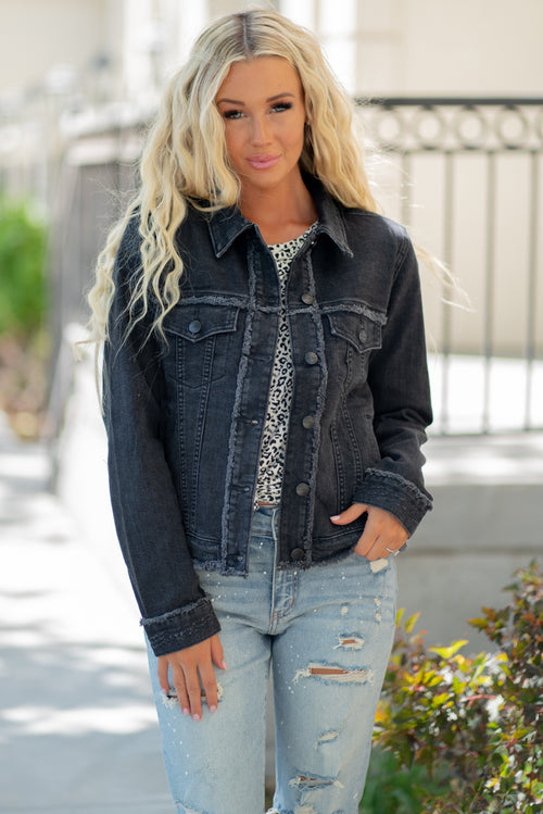 "Miss Me  Collection: Fall 2020 Color: Black Grey Cut: Boxy Denim Jacket with Fringe Seams 80% COTTON 18% POLYESTER 2% ELASTANE Stitching: Classic Style #: JJ2296 Contact us for any additional measurements or sizing.  Haley is 5'6"" and wears size 3 in jeans, a small top and 7.5 in shoes. She is wearing a size small in this jacket."