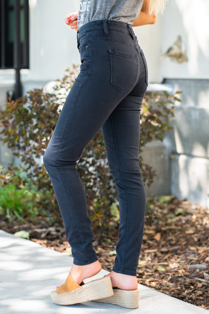 "Miss Me Collection: Spring 2020 Style Name: Black Denim Color: Black 97% Cotton 3% Spandex Cut: Skinny Cut, 30"" Inseam Rise: High Rise, 10"" Front Rise Style #: H1067S Contact us for any additional measurements or sizing."