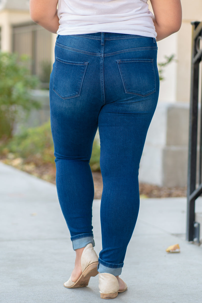 "VERVET by Flying Monkey Jeans Collection: Fall 2020 Name: Plot Twist Skinny, 29"" Inseam Rise: High Rise, 12.25"" Front Rise 90.5% COTTON, 7.5% POLYESTER, 2% SPANDEX Machine Wash Separately In Cold Water Stitching: Classic Fly: Zipper Style #: VT1186-PL Contact us for any additional measurements or size.  Amelia is 5'9"" and wears a 14W and 1XL top."