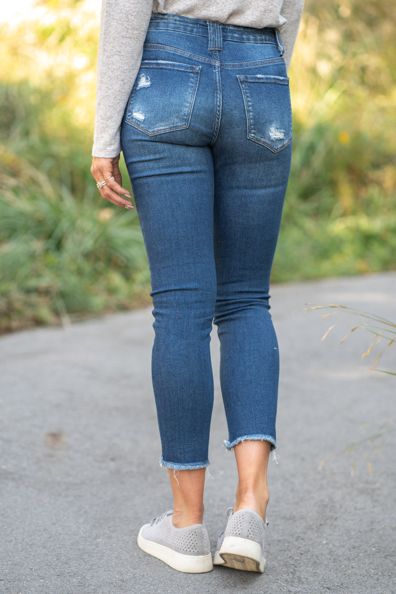 "VERVET by Flying Monkey Jeans Collection: Fall 2020 Name: Excuses Skinny, 27"" Inseam Rise: Mid Rise, 9"" Front Rise 98% Cotton, 2% Spandex Fly: Zipper Style #: VT1218 Contact us for any additional measurements or sizing.  Chloe is 5'8"" and 130 pounds. She wears a size 26 in jeans, a small top and 8.5 in shoes. She is wearing a 26 in these jeans."