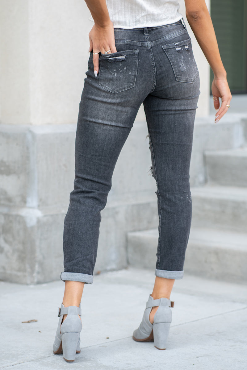 "Judy Blue Collection: Fall 2020 Color: Black Wash Cut: Boyfriend, 30"" Inseam Uncuffed  Rise: Mid-Rise. 9.5"" Front Rise 92% COTTON / 7% POLYESTER / 1% SPANDEX Machine Wash Separately In Cold Water Stitching: Classic Fly: Zipper Style #: JB8867 , 8867 Contact us for any additional measurements or sizing.  Taylor is 5'7"" and wears a size 3 in jeans, small top and an 8.5 in shoes. She is wearing a size 25/3 in these jeans."