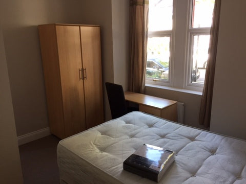 1 ROOMS AVAILABLE IN 6 BEDROOM HOUSE - HANOVER AREA - Freshfield Street - Ref: 626