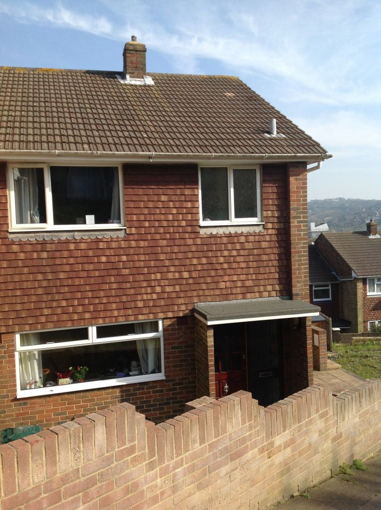 4 BEDROOMS - NEAR BRIGHTON UNI - Barrow Hill - Ref 403