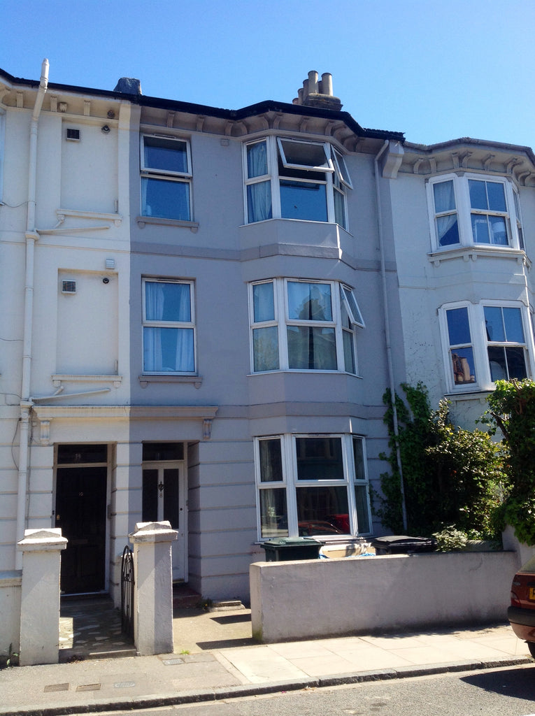 9 BEDROOMS - LONDON ROAD AREA - Beaconsfield Road - Ref 900