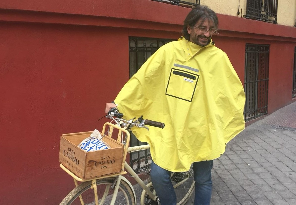 #1 How I Get Around Many Cities with My Bike and Cycling Poncho - David (Burgos, Spain).