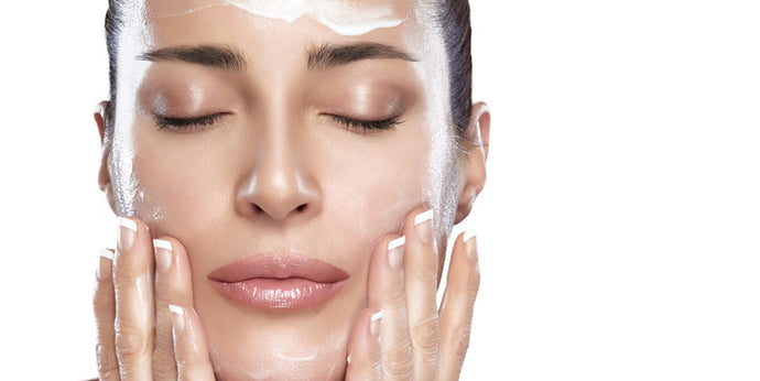 Hydrating vs Moisturizing: Differ or Not?