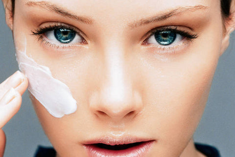 use-eyecreams-with-retinol