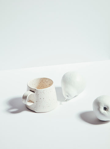 Tasse speckle par Atelier Make