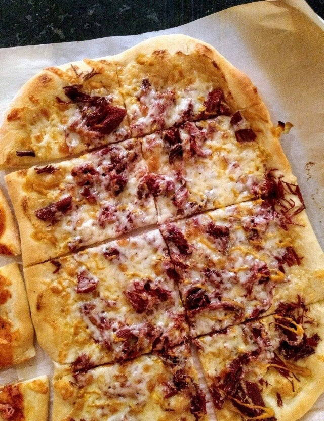 Pizza au smoked meat de canard