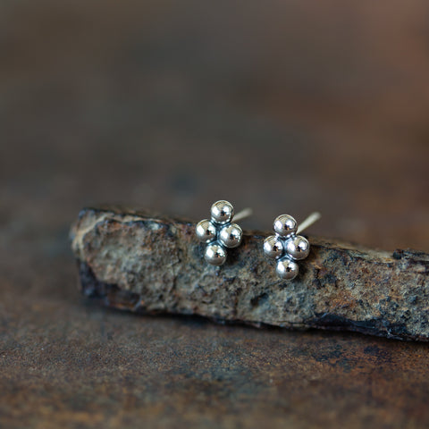 7x5mm Rhombus Stud Earrings - CookOnStrike
