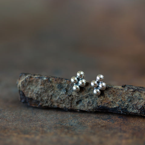 6x4.5mm Beaded Diamond Shape Stud Earrings - CookOnStrike