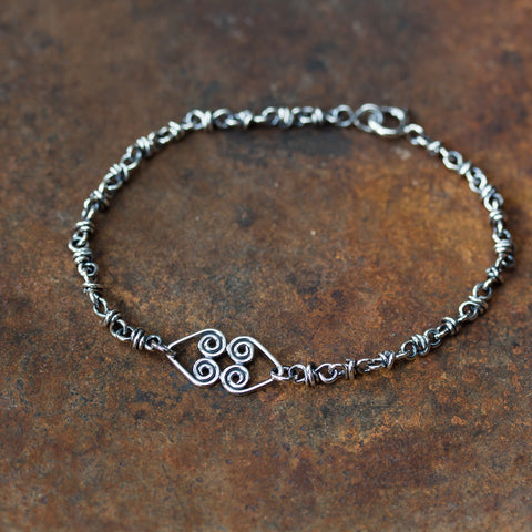 Silver Chain Bracelet With Celtic Hearts Ornament - CookOnStrike
