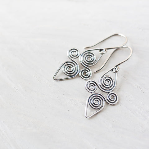 Interconnected Celtic spiral earrings, Handcrafted Small Silver Earrings - CookOnStrike