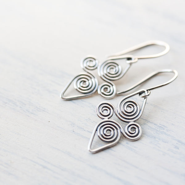 Interconnected Celtic spiral earrings, Handcrafted Small Silver Earrings