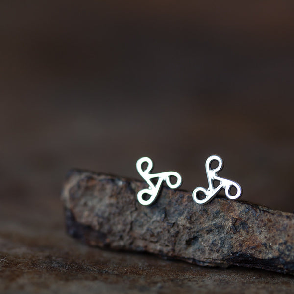 Tiny Celtic Triskele Earrings, unisex 7mm triskelion studs
