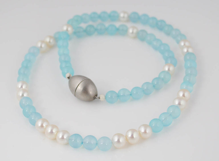 CHALCEDONY & PEARL NECKLACE