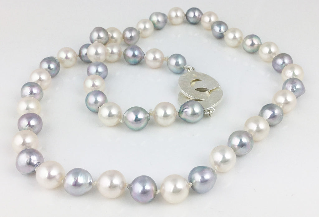WHITE AND GREY AKOYA PEARLS