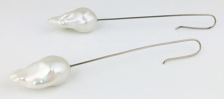 WHITE FIREBALL PEARL EARRINGS
