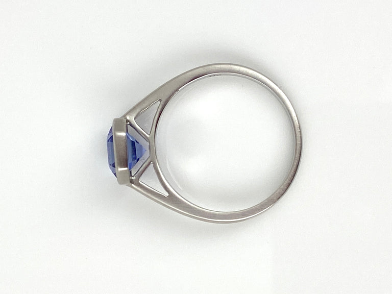 1.55ct Tanzanite bezel set in a 18k white gold ring.