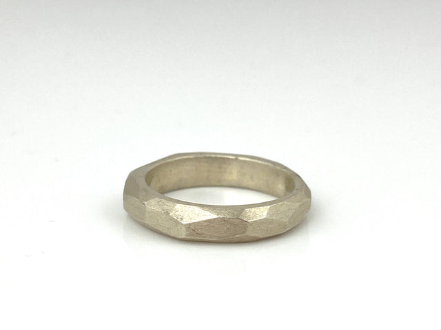 Straight Edge Sculpt Ring