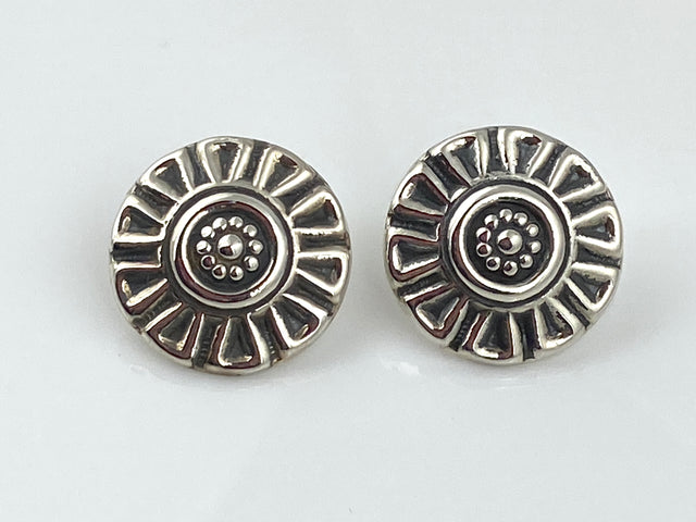 Flower/Ray Stud Earrings
