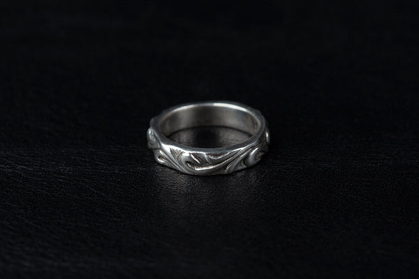 Ladies Flourish Ring