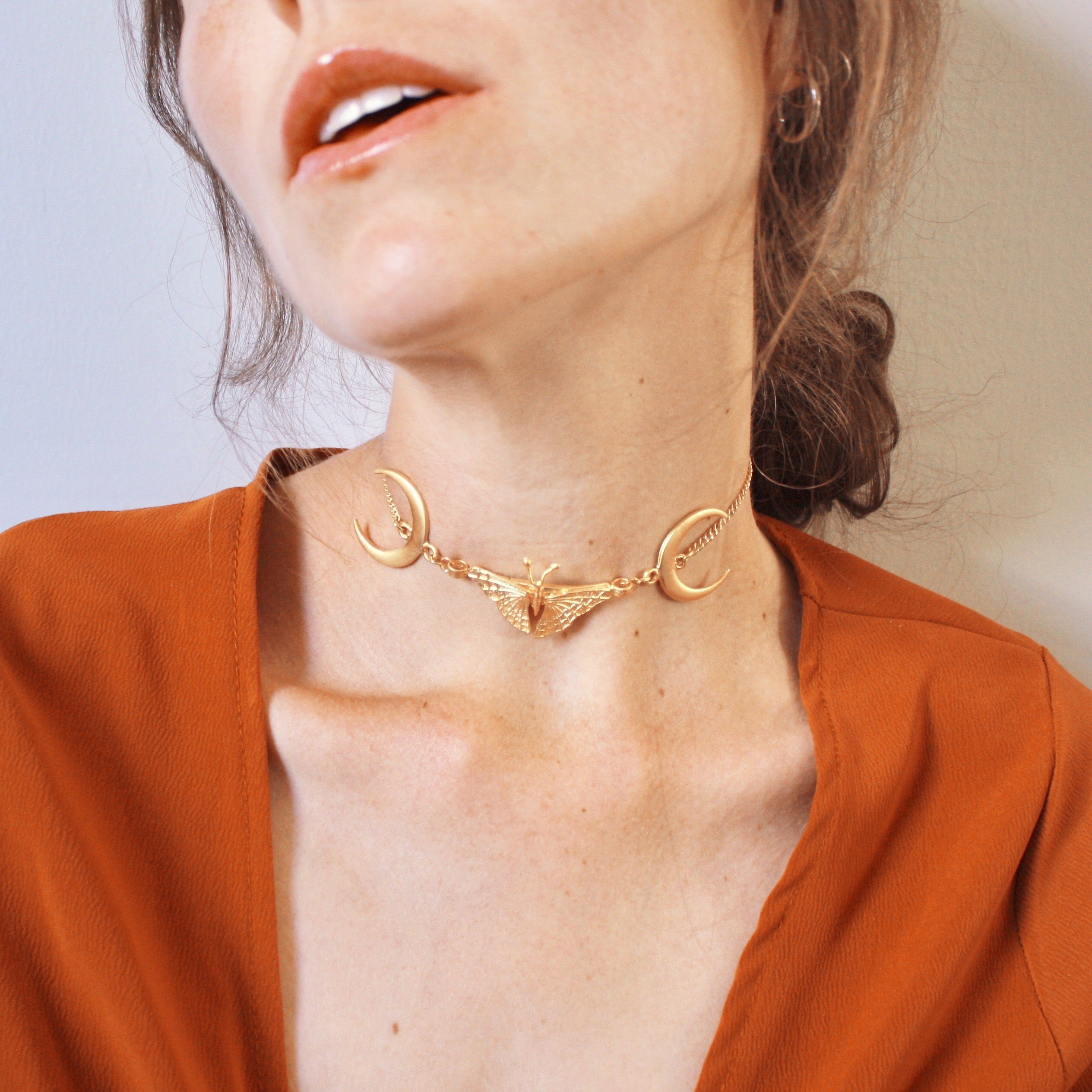 Out of the Woods Choker in Gold