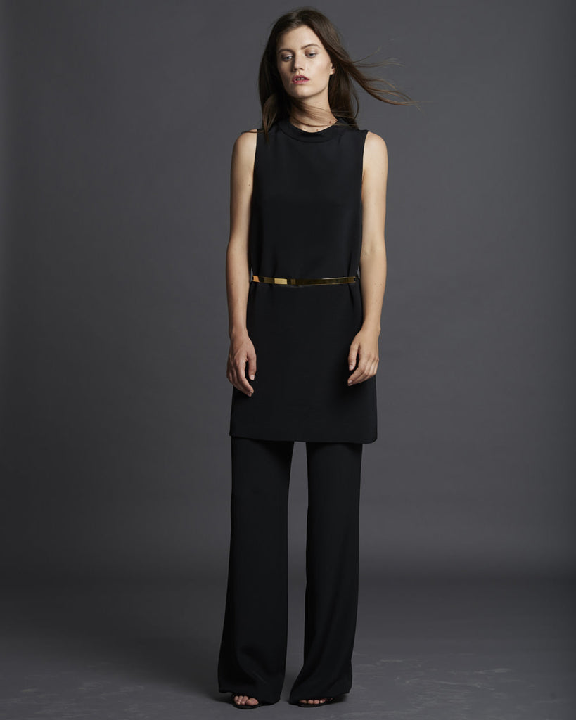 Sleeveless Shift Dress w/ Collar - Black