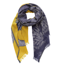 Load image into Gallery viewer, Inouitoosh Yako Wool Scarf