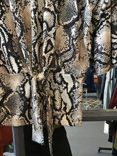 Load image into Gallery viewer, Ribkoff Snake Print Pattern Blouse
